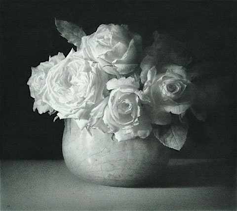White Roses in a bowl. Black chalk and pencil drawing. 58.5 x 67.5 cm.